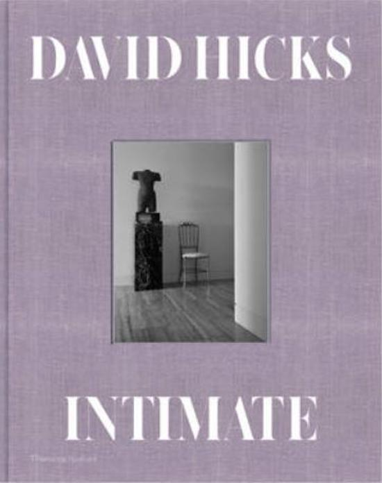 DAMAGED: Reduced - No further discounts: Intimate: A World of Private Interiors